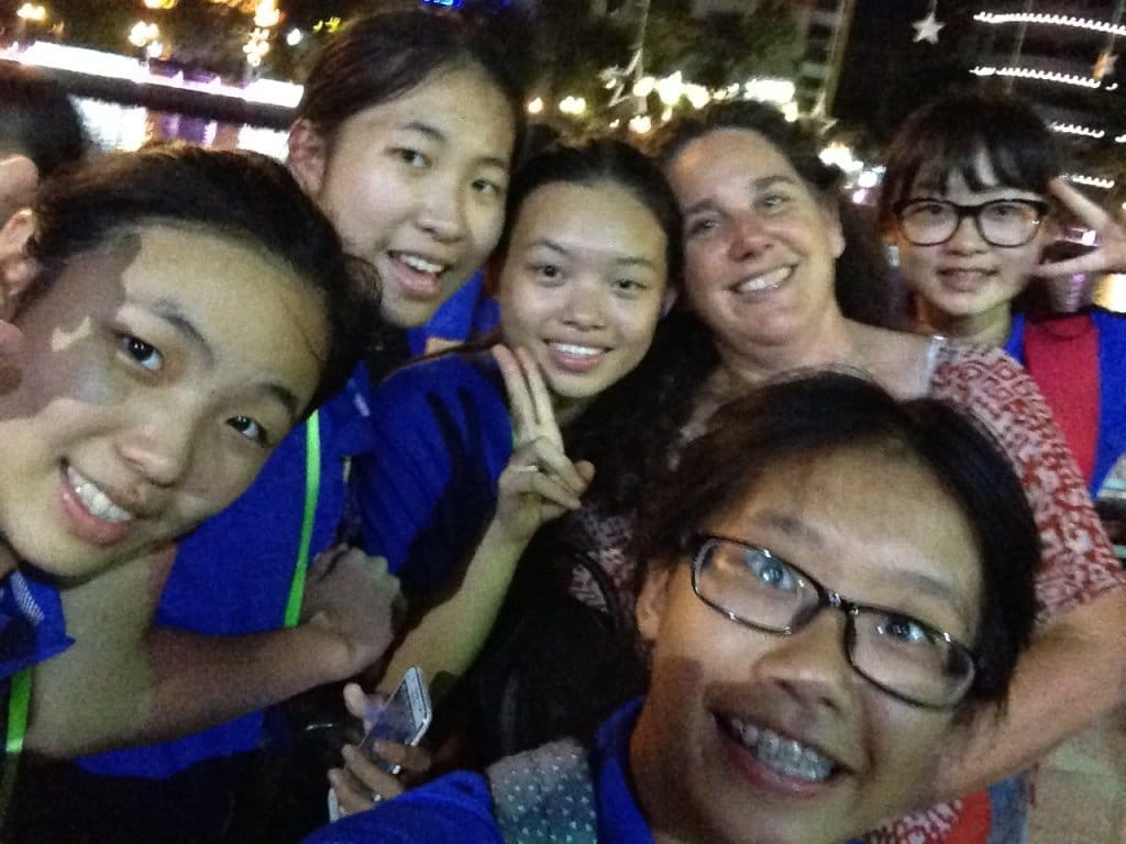 Amy Jolly with Chinese students